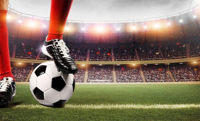 Rekordowe transfery piłkarskie na granicy racjonalności