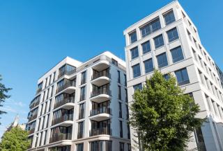 Porównanie inwestycji deweloperskich - jak zarobić na rynku nieruchomości