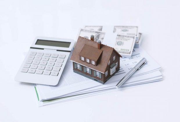 Ile wynosi podatek od sprzedaży nieruchomości i kto musi go zapłacić Czy można go uniknąć